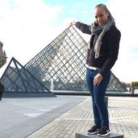 Karina modtog et legat og kunne nyde en ferie i Paris med sin mor og søster